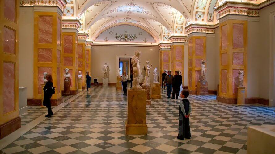 VRで美術館巡りをしよう!美術作品を鑑賞できるVRアプリを紹介!