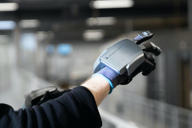 【新製品】SenseGlove社製 触覚・振動フィードバックVRグローブ「SenseGlove Nova」の取り扱いを開始
